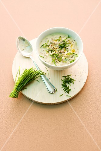 Quick minced beef and leek soup with chives