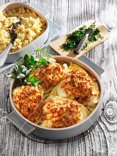 Gratinated pointed cabbage with parsley and Spätzle (soft egg noodles from Swabia)