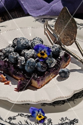 A mini blueberry tarte tatin