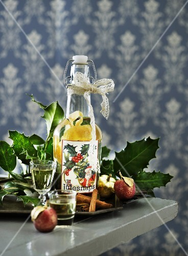 Aquavit flavoured with lemon zest (Scandinavia)