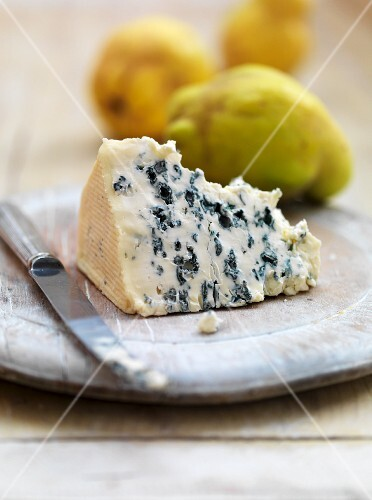 A slice of blue cheese and quinces