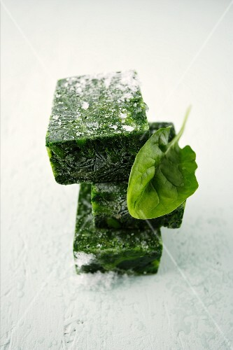 Fresh and frozen spinach