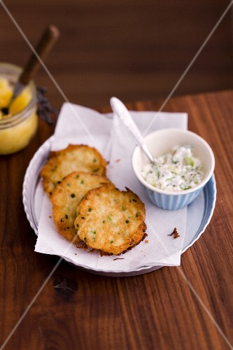 Potato röstis with herb quark