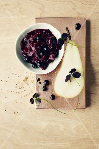 Pear chutney with blackcurrants (seen from above)