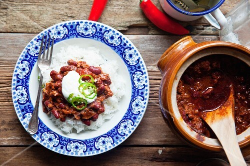 Chilli con carne served with rice