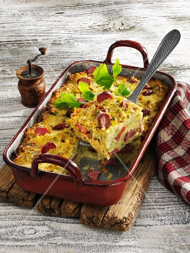 Döppekooche (Rhenish potato bake) with cabanossi