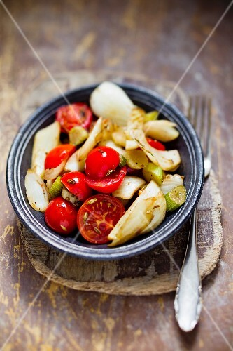 Fennel salad with tomatoes