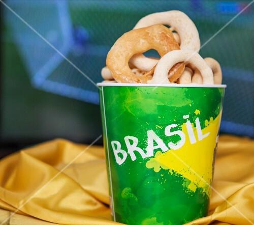 Biscoitos de polvilho (savory cassava cookies, Brazil)