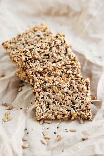 Crispbread with seeds