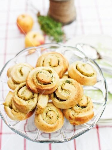 Savoury cream cheese and pesto buns