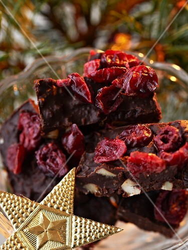 Swedish fudge with cranberries for Christmas