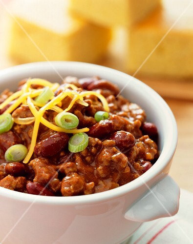 Classic chilli con carne with spring onions and cheese