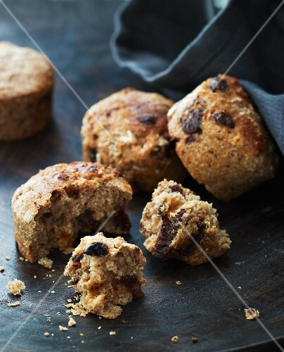 Wholemeal chocolate chips muffins