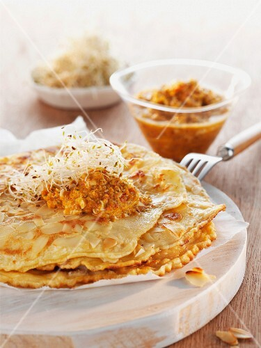 Spice crepe with bean sprouts