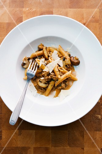Penne with ox ragout
