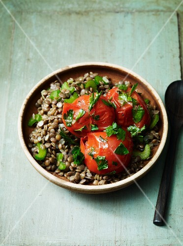 Lentil medley with tomatoes and parsley