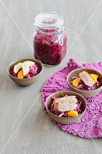 Red cabbage salad with duck breast and mandarins