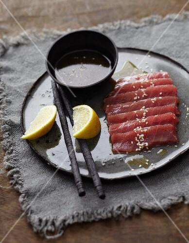 Tuna sashimi with ponzu sauce