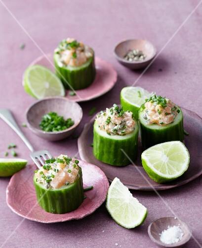 Cucumber filled with salmon tartar