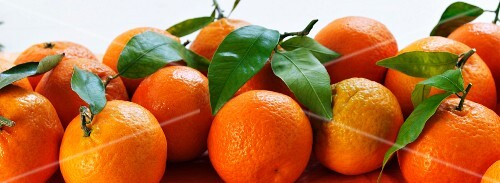Oranges with leaves