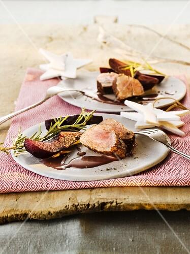 Pork fillet with elderberry pears for Christmas