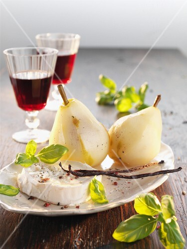 Camembert with vanilla pears