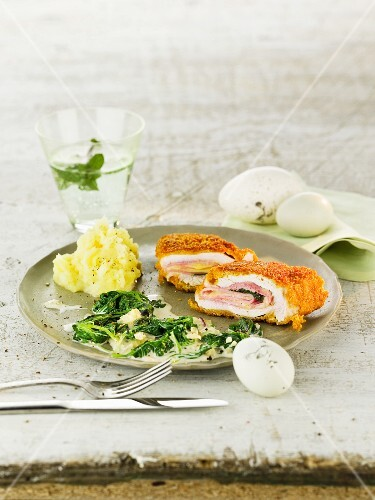 Lemon and sage cordon bleu with spinach and mashed potatoes for Easter