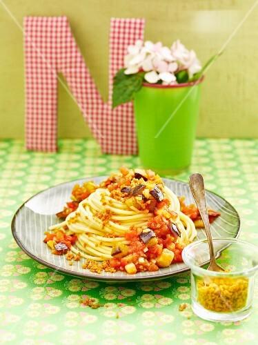 Aubergine and tomato pasta