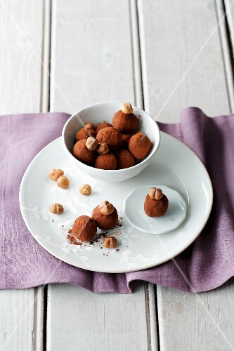 Nut and chilli truffle pralines