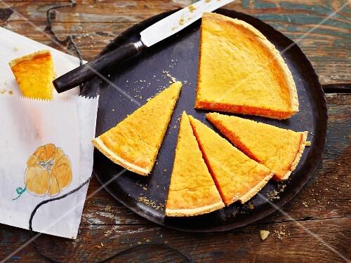 Pumpkin tart with lemon