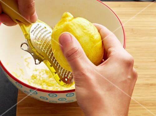 Grating lemon peel