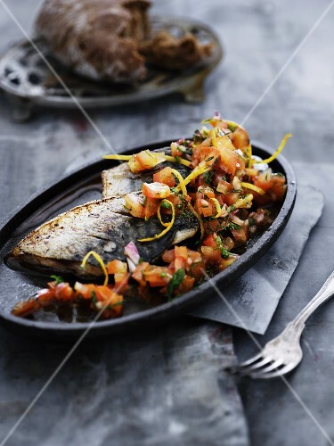 Fried mackerel with a tomato medley
