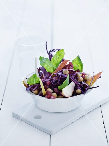 Red cabbage salad with chickpeas, apples and pomegranate seeds