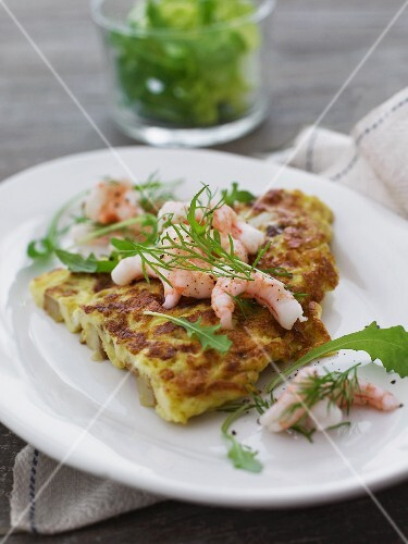 Omelette with prawns