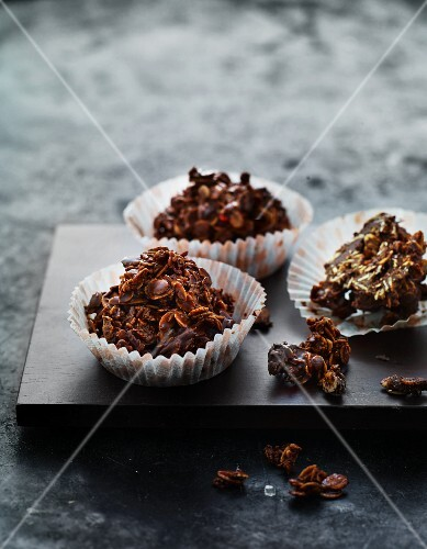 Oat and chocolate crispy cakes