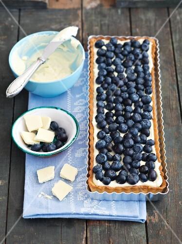 Shortbread tart with mascarpone, white chocolate cream and blueberries