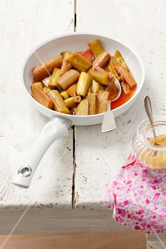 Fried rhubarb with sugar