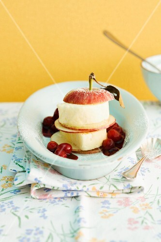 Apple parfait with cherry sauce