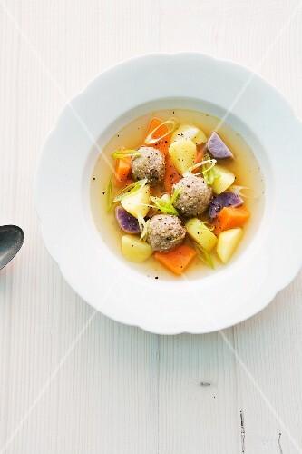 Potato stew with liver pâté dumplings