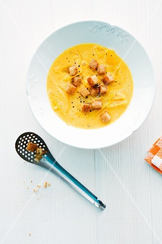 Pumpkin and orange soup with cinnamon croutons