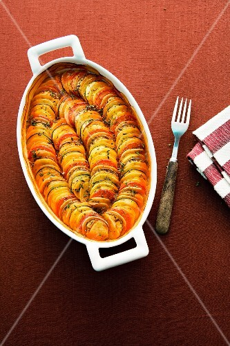 Potato and ratatouille gratin