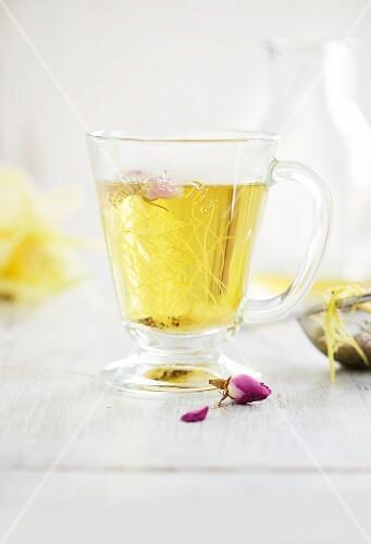 Rose petal tea to curb sweet cravings