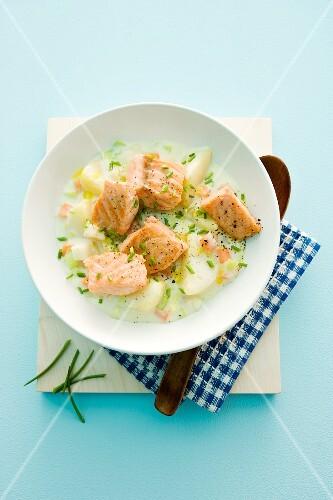 Salmon with creamy potatoes