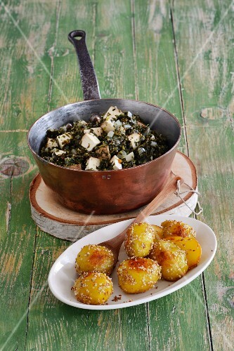 Braised green kale with sesame potatoes