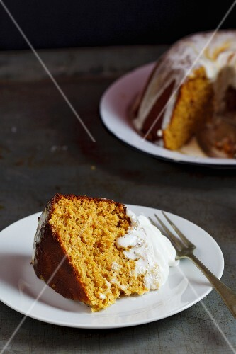 Steamed pumpkin pudding with icing sugar