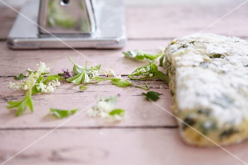 Pasta dough with wild herbs
