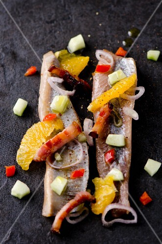 Smoked herring with onions, Pancetta and oranges (Italy)