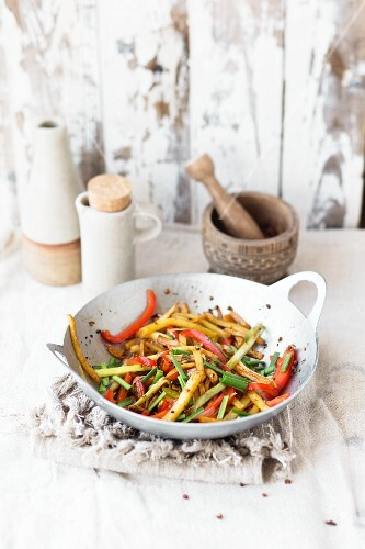 Stir-fried potato chips with pepper and spring onions