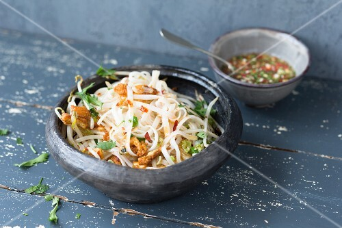 Wide rice noodles with chilli