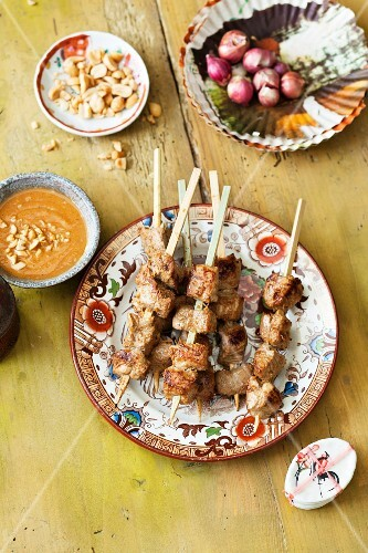 Satay skewers with peanut sauce (Thailand)